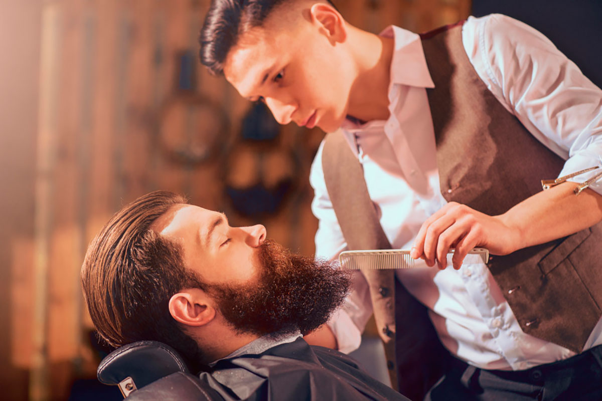 """Should I use a Beard Comb or a Beard Brush?"""
