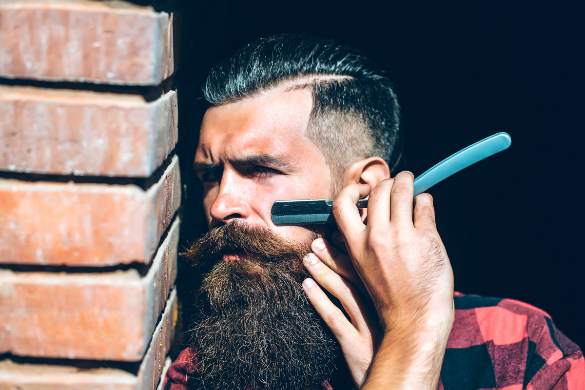 How to Style Your Beard with a Straight Razor